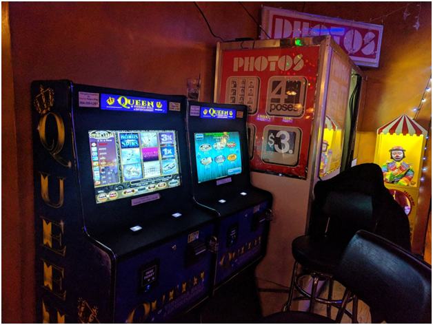 slot-machines-at-las-vegas
